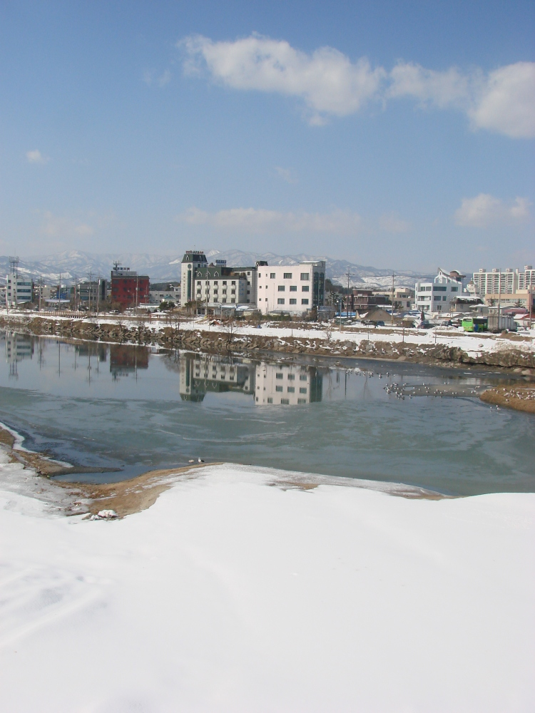 Jumunjin, Gangwon-do, February 2010.